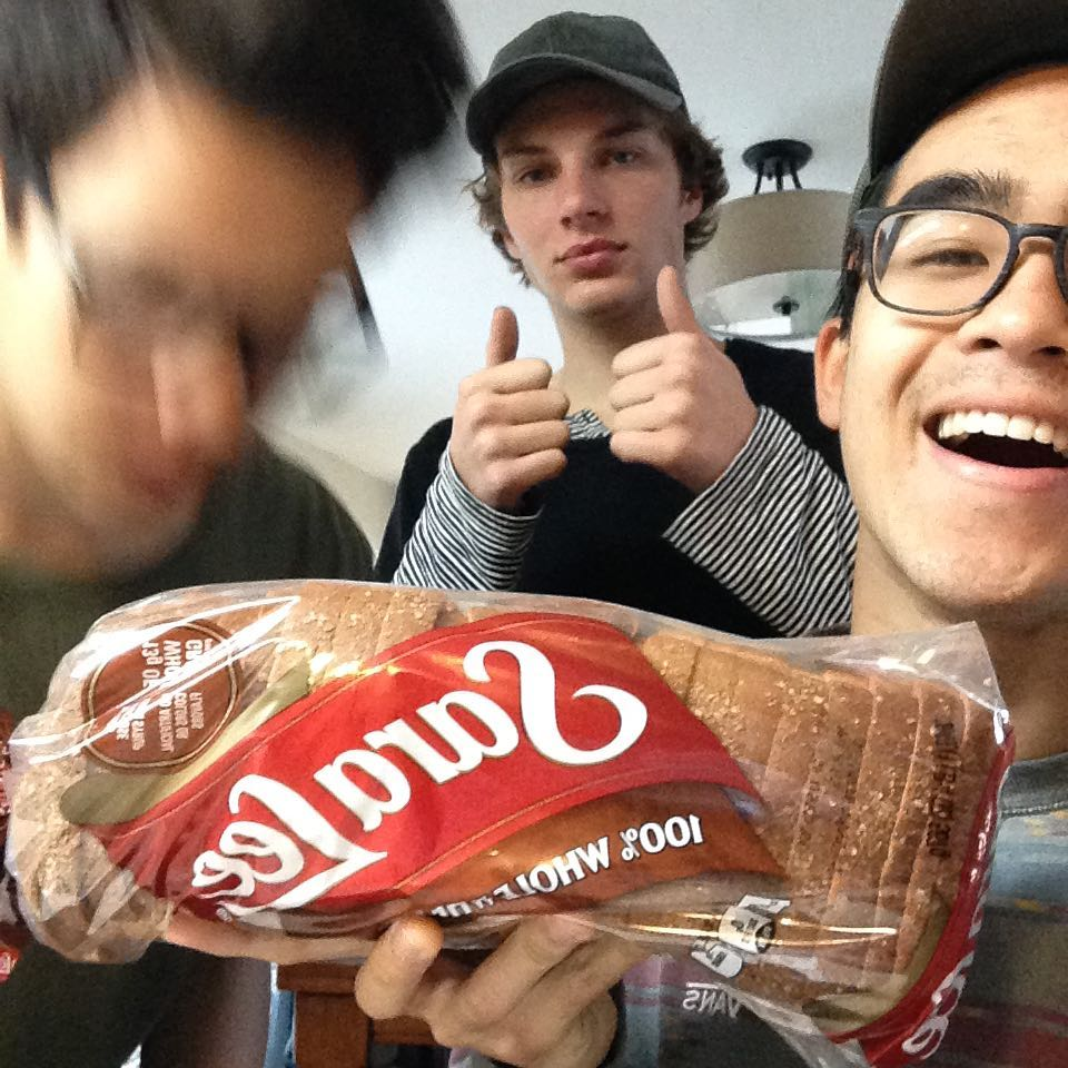 Candid 3/4 does breakfast. Sponsored by Sara Lee bread. Keep your eye for a live stream today around 11 ;)